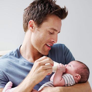 وظایف پدر پس از به دنیا آمدن فرزند